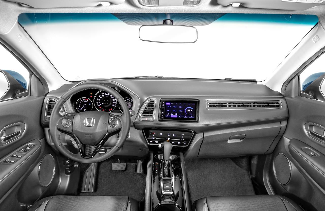 4006340a9 Interior muito bem-arranjado e com ótima ergonomia  note a faixa degradê da  qual a Honda não abre mão (Foto  divulgação)