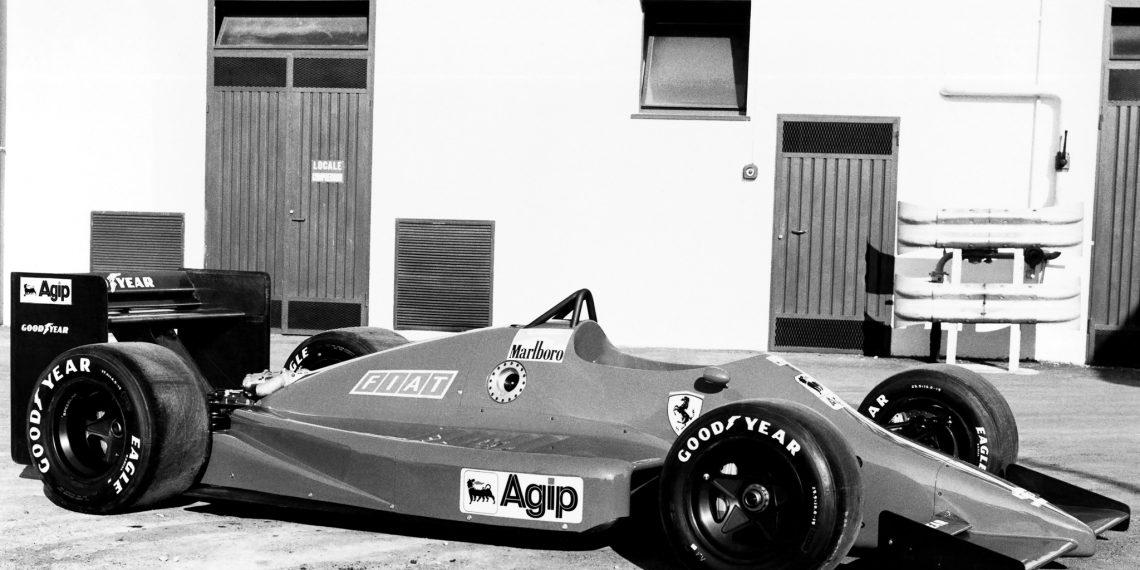 Ferrari 637 na fábrica (Ferrari)