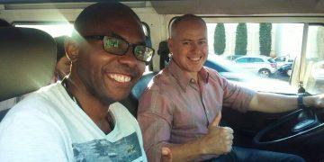 Foto feita por um dos passageiros da Kombi, o  Francisco. Ao meu lado, o Alex