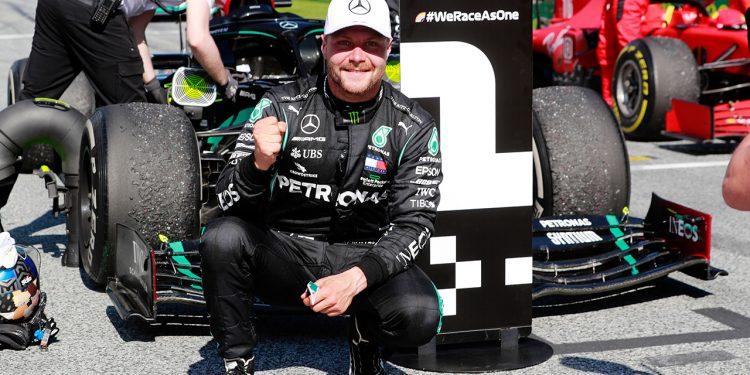 Valtteri Bottas é o ator principal na avant premiere da silly season 2021 (Mercedes)